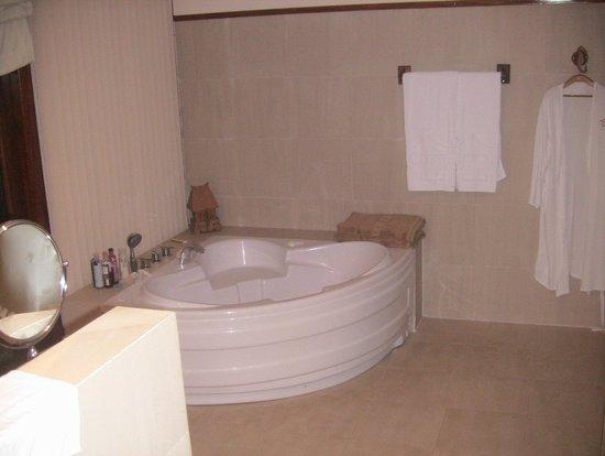 Victoria Phan Thiet Beach Resort & Spa : Вот такая ванная