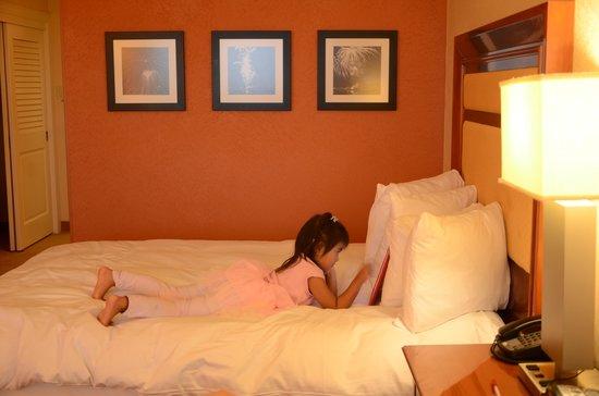 Orlando World Center Marriott: nice bed