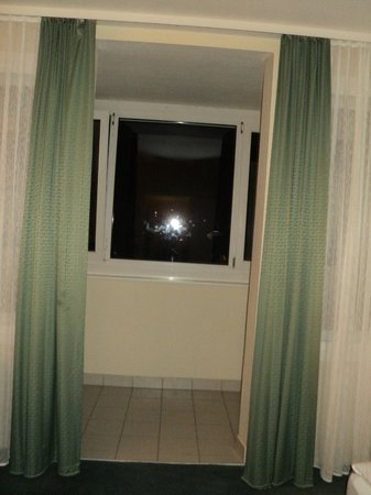 Leonardo Hotel Berlin : лоджия объединена с комнатой