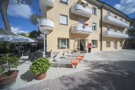 soggiorno - Picture of Hotel Romagna, Riccione - TripAdvisor