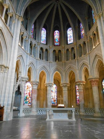 Cathédrale de Lausanne : Vue sur les vitraux