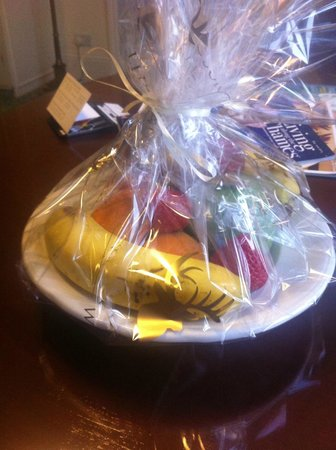The Oakley Court: Fruit Bowl