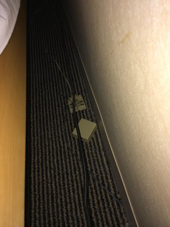 Millennium Cincinnati: Pillows love to drop behind bed and land on dusty wires.