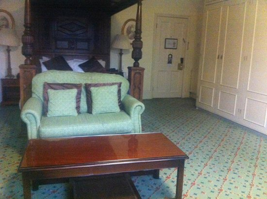 The Oakley Court: Executive Room