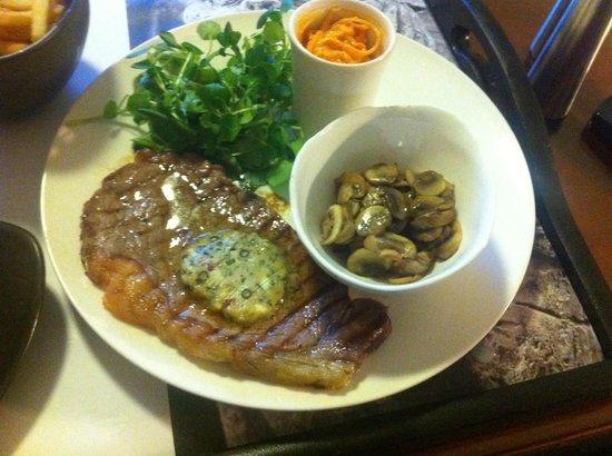 The Oakley Court: Sirloin Steak