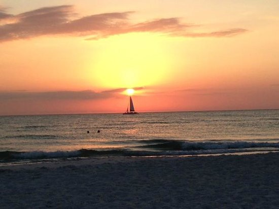 Hotel Cabana Clearwater Beach: I don't think I'll ever see a more beautiful sunset.