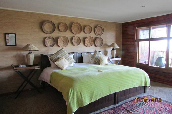 Kariega Game Reserve - All Lodges: Ukhozi Lodge Bedroom area