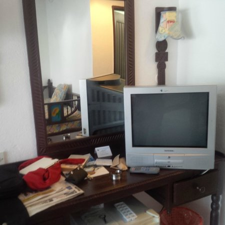 Southern Palms Beach Resort: The rather outdated TV