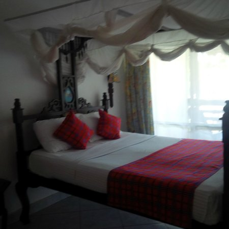 Southern Palms Beach Resort: The bed