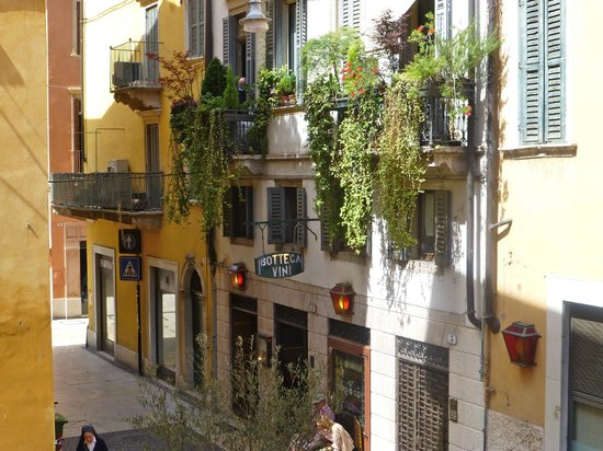 Accademia Hotel: View from room 128 balcony