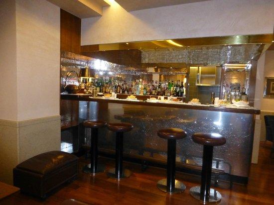 Accademia Hotel: Bar