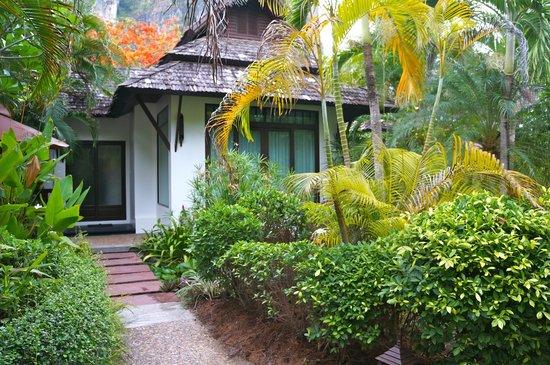 Railay Village Resort: exterior
