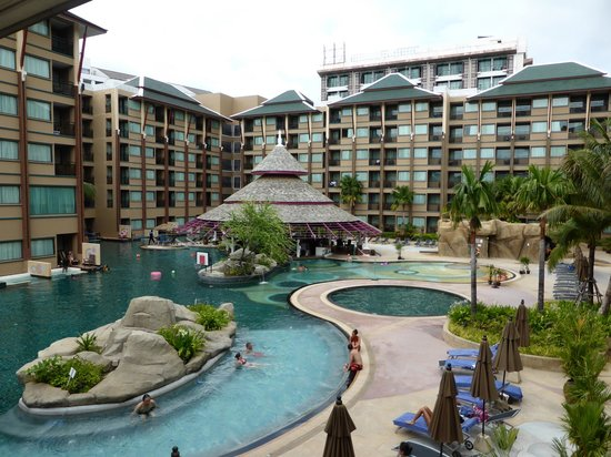 Novotel Phuket Vintage Park: great pool & swim up bar