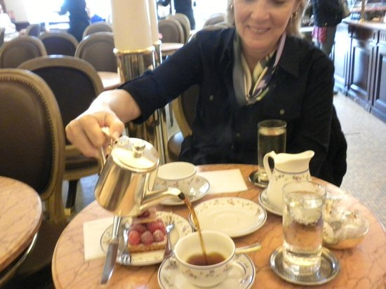 Kyriad Hotel Paris Bercy Village : V. expensive coffee and pastry near the Eiffel Tower - 23 Euros! Crazy but a nice cafe