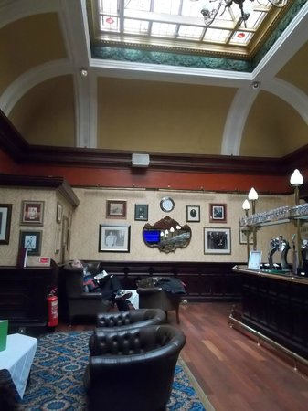The Imperial Hotel: Bar area