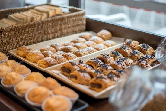 Petit Palace Londres: Buffet Breakfast
