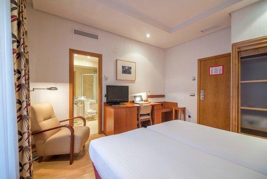 Petit Palace Londres: Guest Room