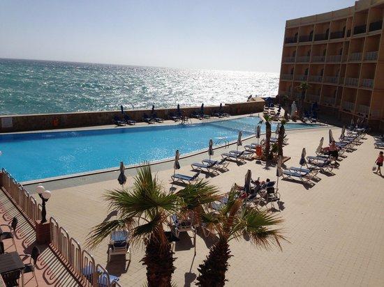 Paradise Bay Resort Hotel: View from balcony