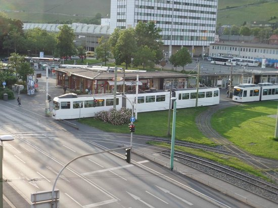Regina Hotel: View to tram intersection at station