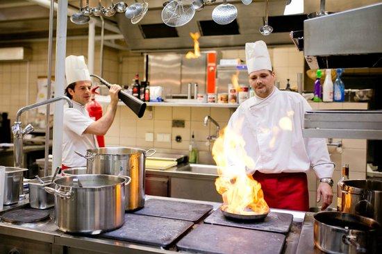 Restaurant Herzstück Salzburg: in der Küche gehts heiß her
