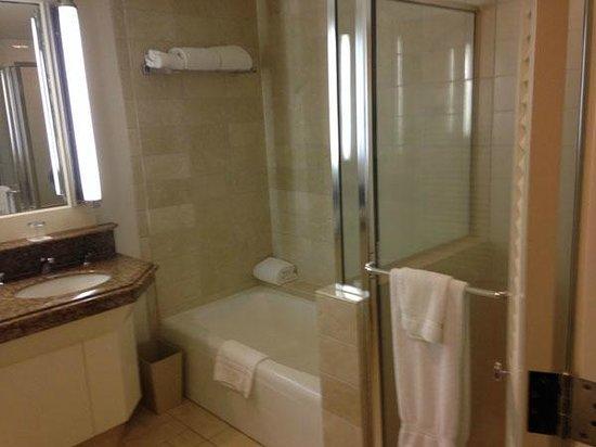 Hapuna Beach Prince Hotel: Bathroom