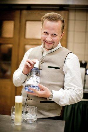 Restaurant Herzstück Salzburg: bei Schnäpsen ist der Chef gefragt