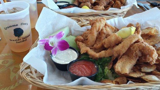 Gramma Dot's Seaside Saloon : Fresh, fresh, fresh grouper!
