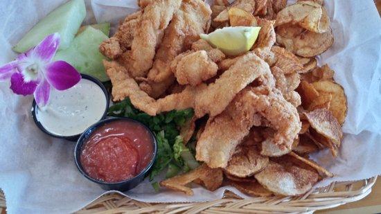 Gramma Dot's Seaside Saloon: Grouper & Homemade Chips!