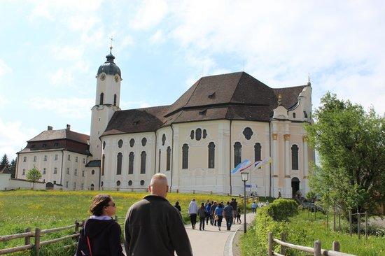 Wieskirche: Walking up to the church.