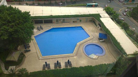 Shangri-la Hotel Shenzhen : Pool View from 19 Floor