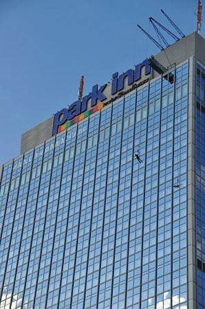 Park Inn by Radisson Berlin am Alexanderplatz: Base-Flying