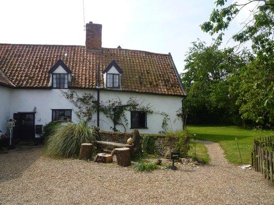 Pattles Farm: Lovely old farmhouse