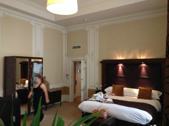 The Midland: Main bedroom