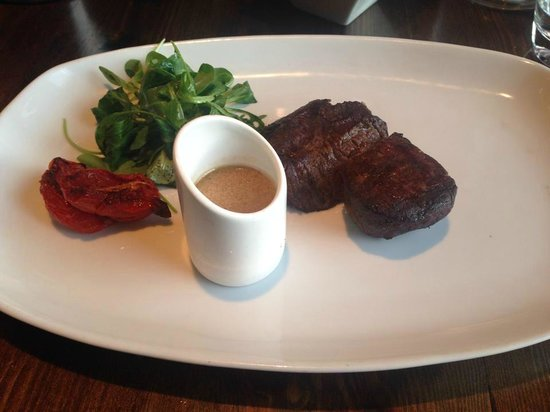 Kyloe Restaurant at Rutland Hotel: Med-Well done fillet.