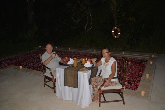 The Gangsa Private Villa by Kayumanis: our romantic diner night