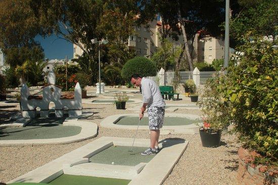 Playa Mini Golf Espana : My and my bent Cue lol