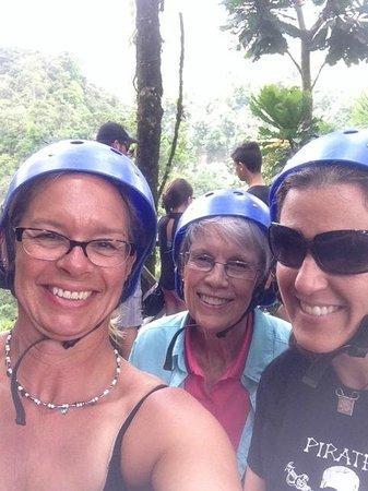 Arenal Mundo Aventura: Kym, Mom and Liz