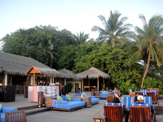 Sheraton Maldives Full Moon Resort & Spa: The Anchorage Bar