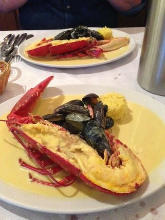 Birdies: Lobster with mussels in saffron cream sauce