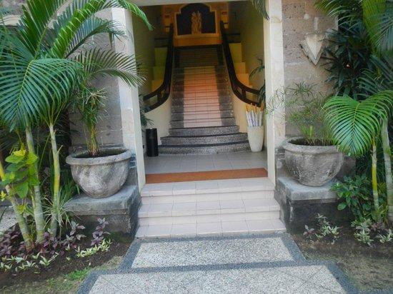 Adhi Jaya Hotel: .