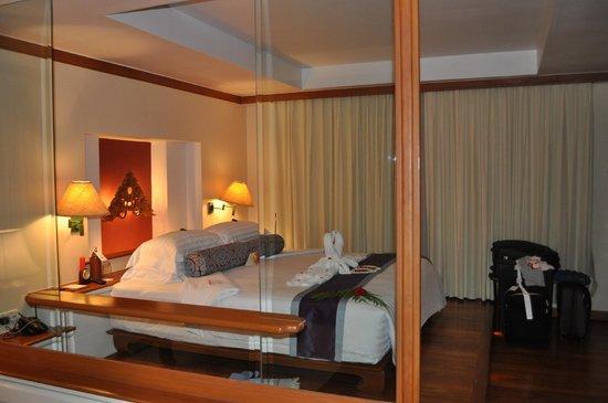 Santiburi Beach Resort & Spa : camera villa