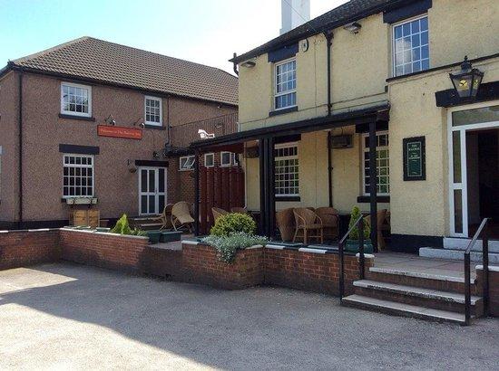 The Railway Inn: Front facing