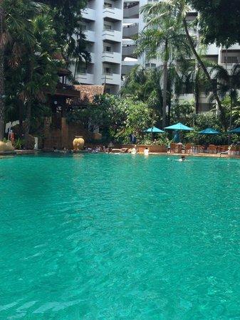 AVANI Pattaya Resort & Spa: Cool swimming pool