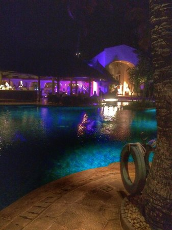 One&Only Le Saint Geran: Dinner time
