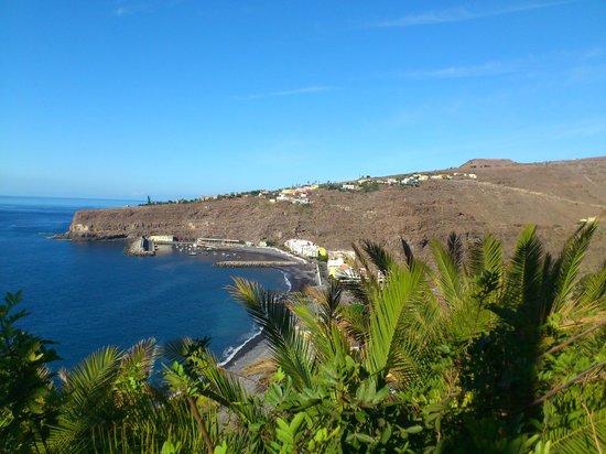 Hotel Jardín Tecina: View of Playa Santoago from Hotel Gardens