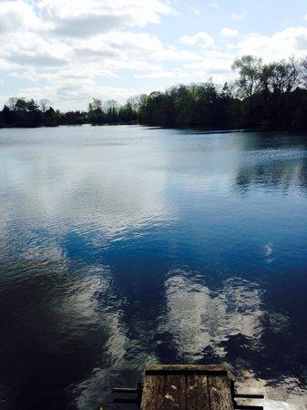 York Lakeside Lodges: The lake
