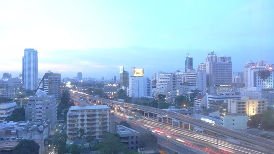 Novotel Bangkok Ploenchit Sukhumvit : Room view from 12th floor