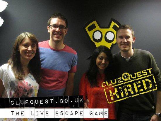 clueQuest - The Live Escape Game: Team Friendmoon