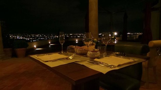 Villa Tolomei Hotel and Resort : dinner on the veranda...right before getting engaged!