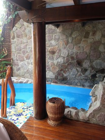 Ladera Resort: Plunge pool in Room K